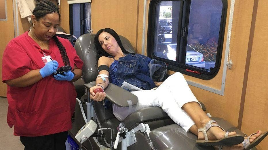 Donors continue to line up to give blood in Las Vegas