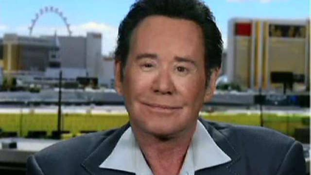 wayne newton says the show must go on after las vegas
