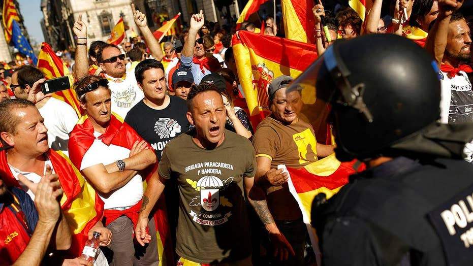 Thousands protest Catalan's attempt to secede from Spain