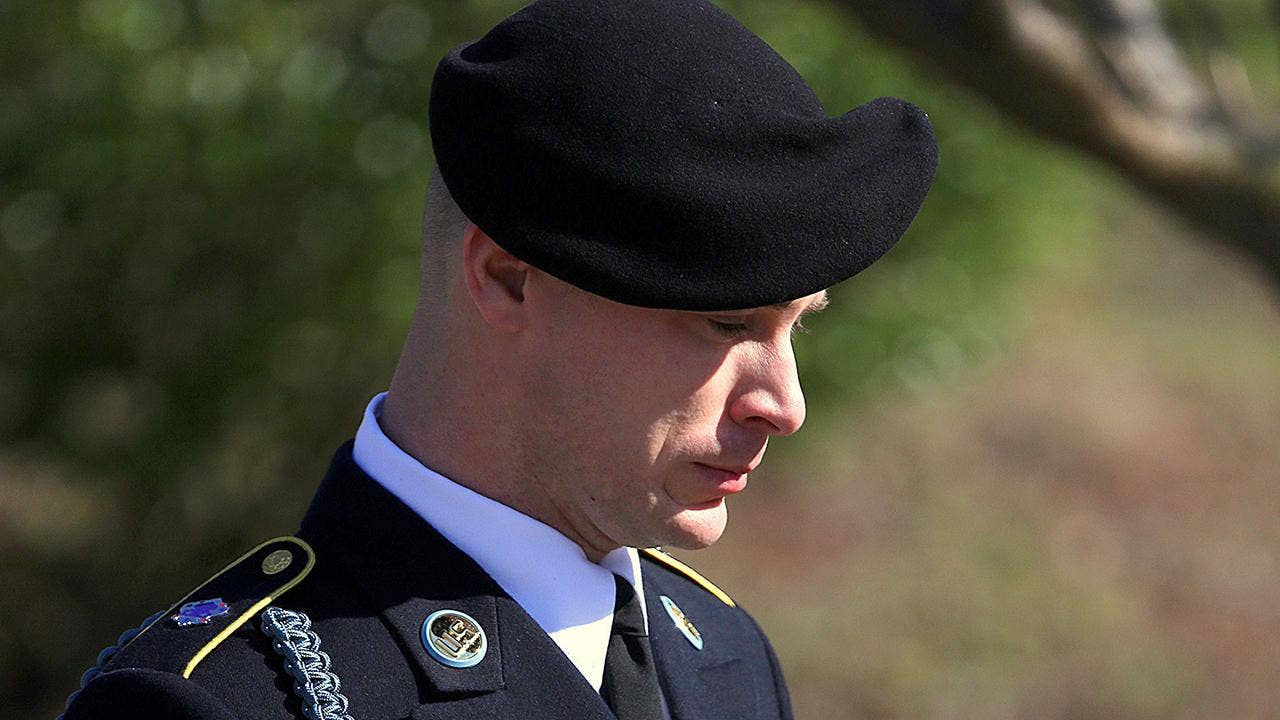 Bowe Bergdahl pleads guilty in desertion case