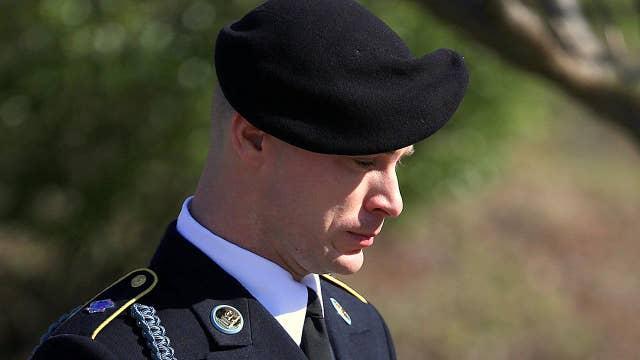 Bowe Bergdahl to enter plea in desertion case