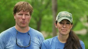 Chip Gaines shaves his head for charity