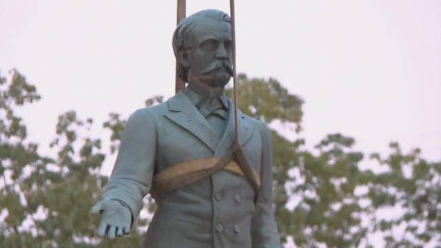 Confederate statues located near Kentucky courthouse removed