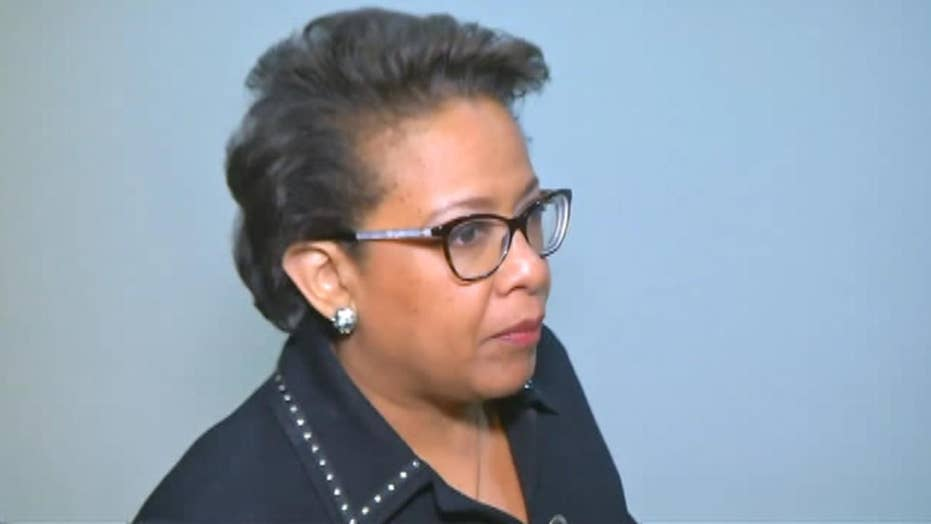 Former AG Lynch arrives for House Intel Committee hearing