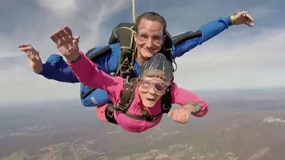 94-year-old celebrates birthday with skydive