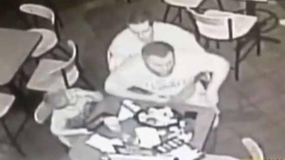 Off-duty cop jumps into action to save choking man