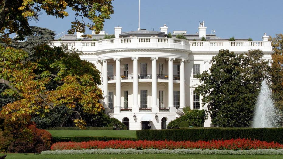 Man arrested for threat to 'kill all white police' at WH