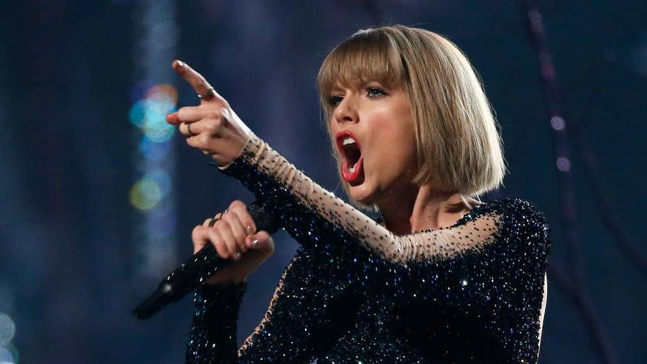ACLU, Taylor Swift feud over article linking star to white supremacists