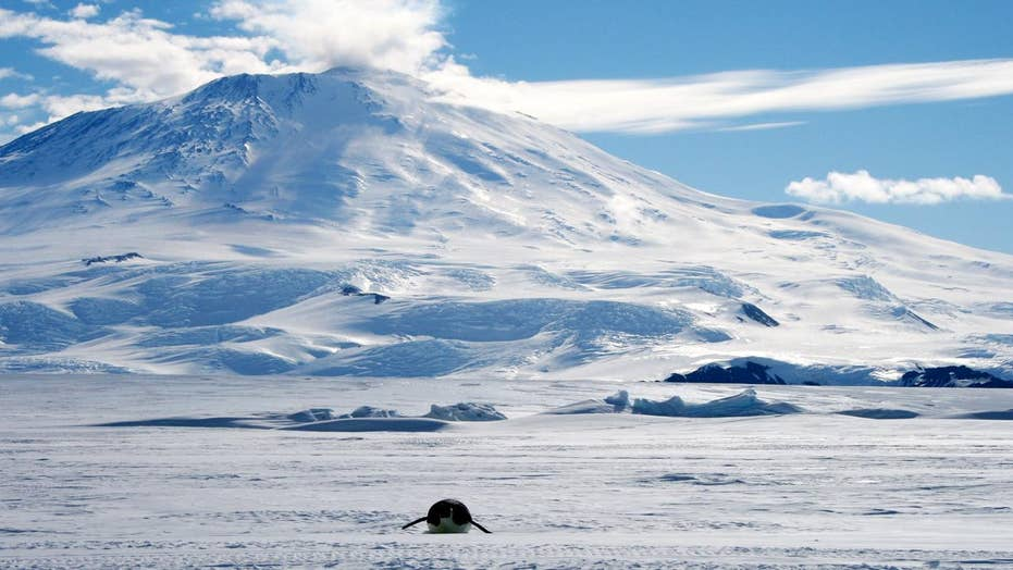 Is there a super volcano buried in Antarctica?