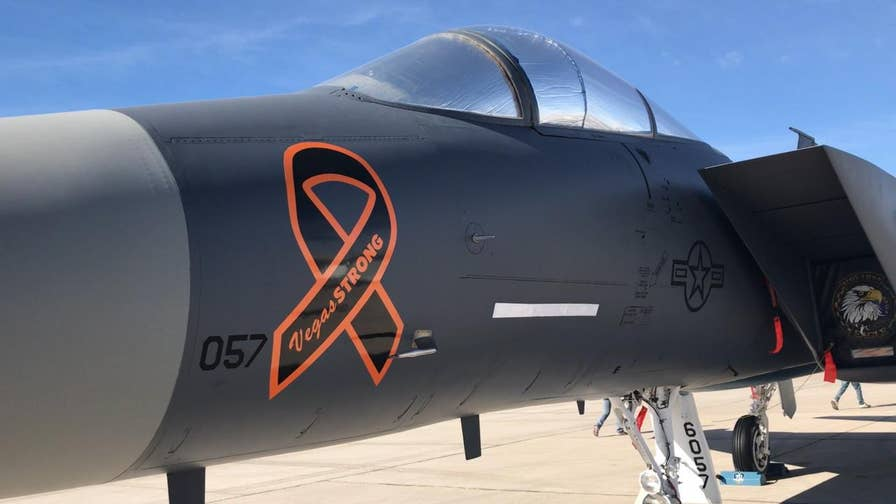Airmen paint fighter jet to commemorate Las Vegas shooting victims, debuts at air show