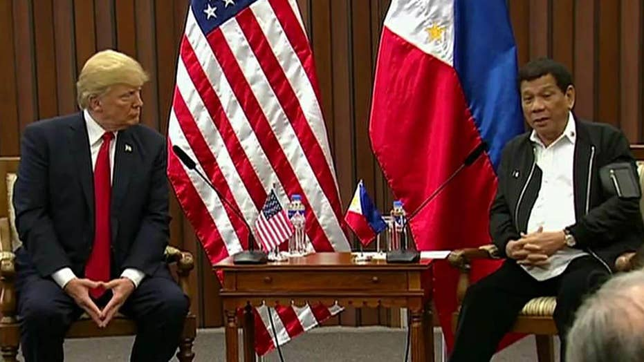 Trump, Philippines' Duterte meet amid drug war controversy