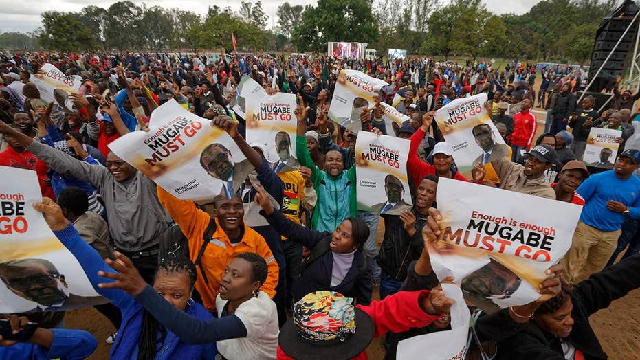 Thousands rally in Zimbabwe against President Mugabe