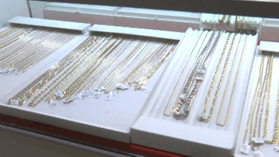 Criminals use children in jewelry heist