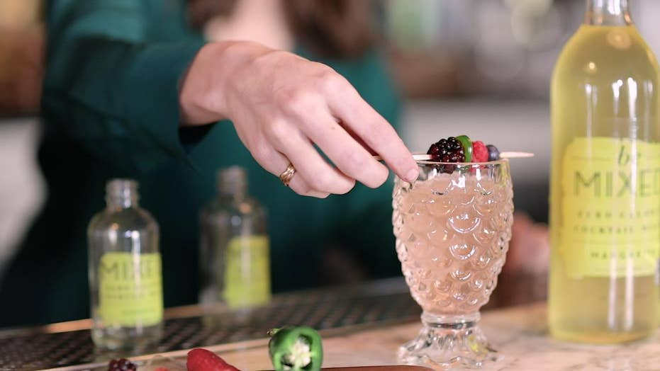 How your holiday cocktail can be healthy and delicious