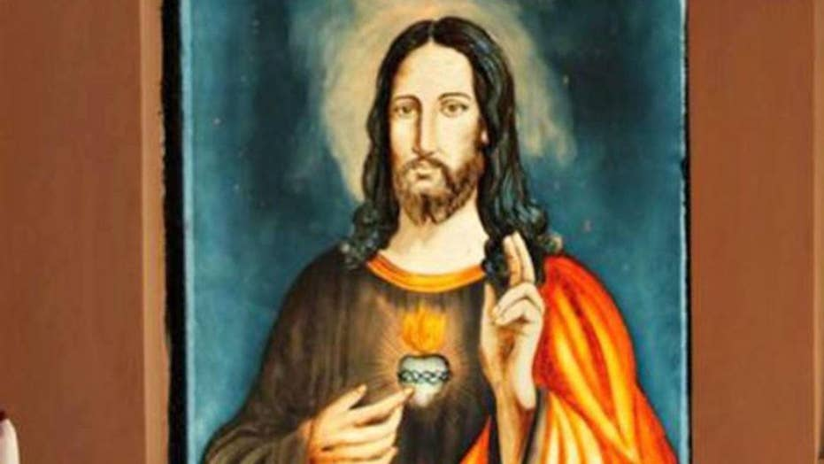 Poll: Most Americans want to put Jesus back in Christmas
