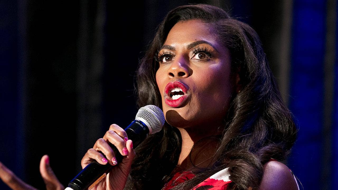 Omarosa trying to lawyer up, may have secretly taped White House conversations