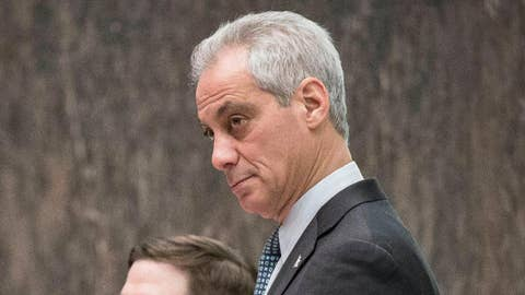 Emanuel rolls out ID for Chicago's 'undocumented'