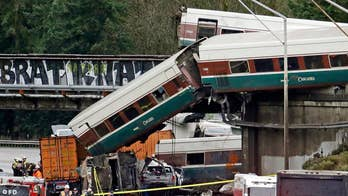 Dan Konzelman witnessed Amtrak train 501 derailment, climbed inside train cars to help passengers.