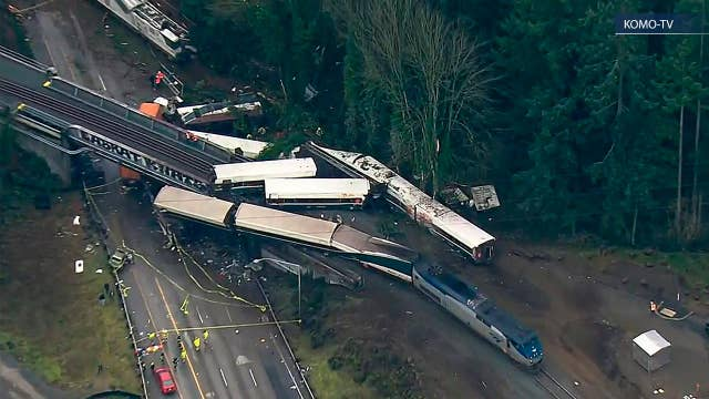 NTSB: Too early to know many details of the derailment