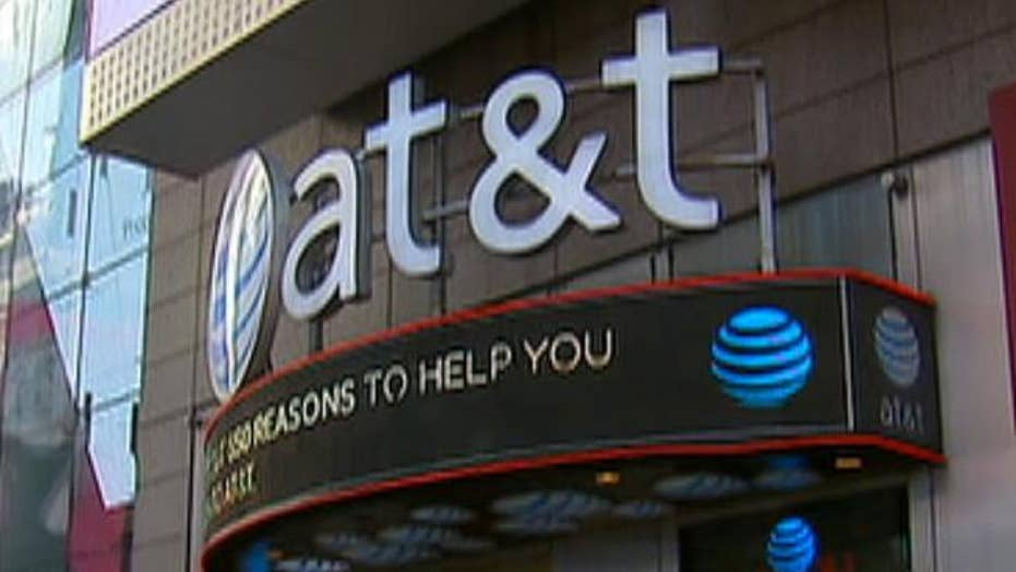 AT&T gives certain employees $1000 'tax cut bonus'