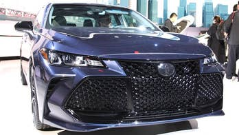 Full size four-door sales may be on the downside these days, but Toyota is sticking with the segment and introducing an all-new Avalon sedan at the Detroit Auto Show.