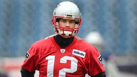 New England Patriots quarterback Tom Brady took the field for Sunday's AFC Championship Game with a bandage on his right hand and did not appear to show any ill effects from an injury he sustained in Wednesday's practice.