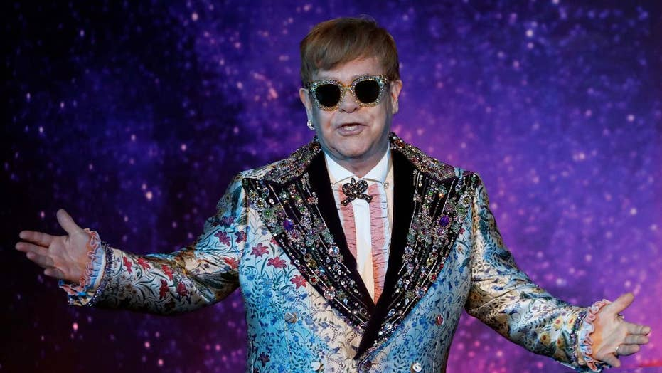 Elton John announces farewell tour