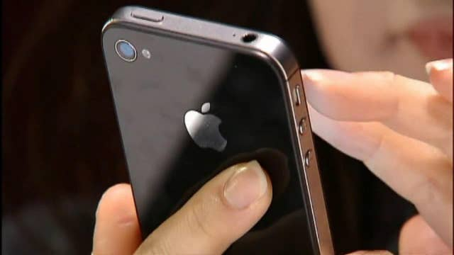 Apple announces fix for iPhone battery throttling