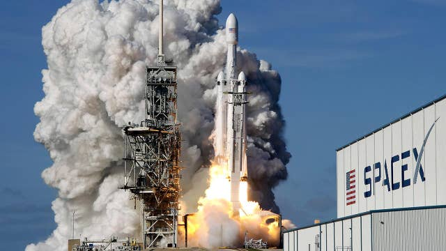 SpaceX Falcon Heavy launch wows space experts