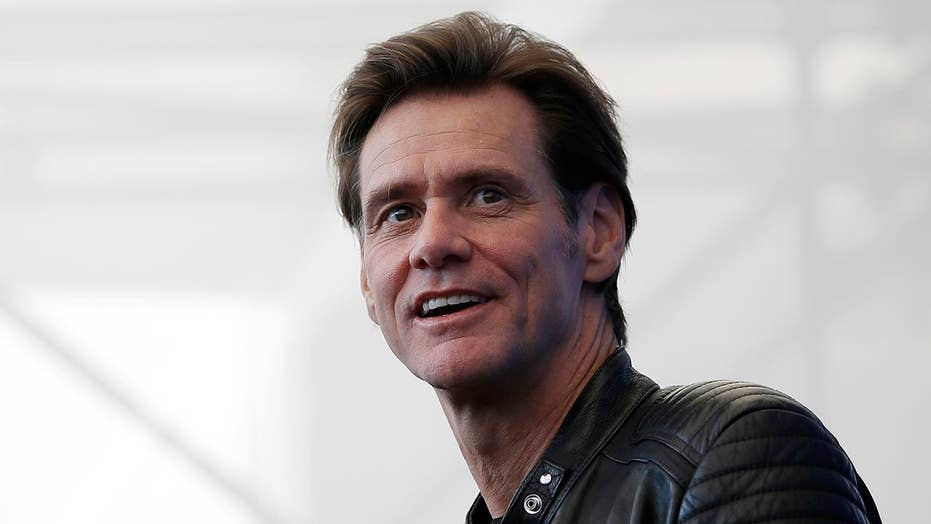Jim Carrey wants you to unfriend Facebook
