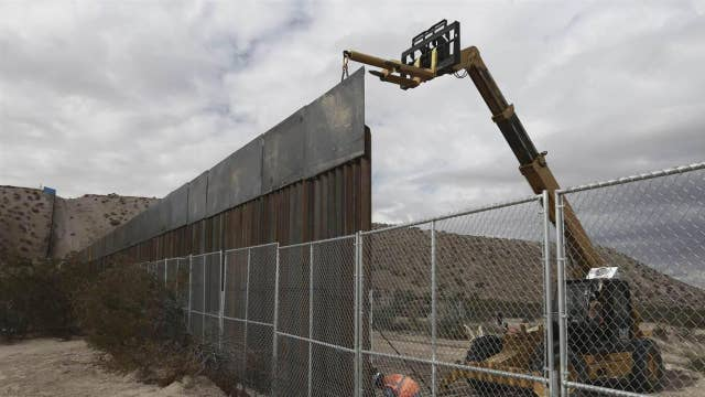 Could Senate strike a border wall for 'dreamers' deal?