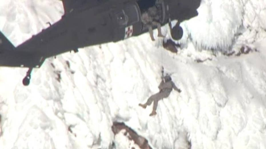 Helicopter crews rescue two stranded hiking groups in Oregon