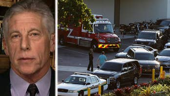 Retired LAPD detective Mark Fuhrman and retired Las Vegas officer Randy Sutton provide insight on 'The Ingraham Angle' after deadly shooting at Florida school.
