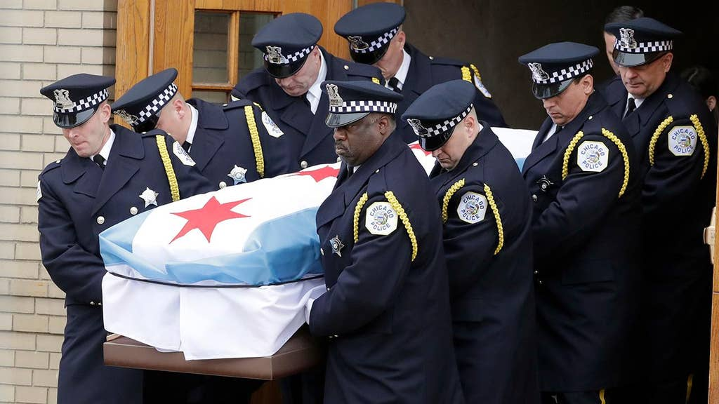 Funeral held for Chicago officer who made 'the ultimate sacrifice'