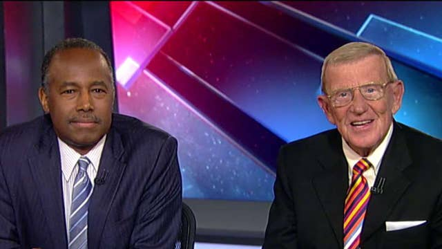 Lou Holtz teams with Ben Carson for a great cause