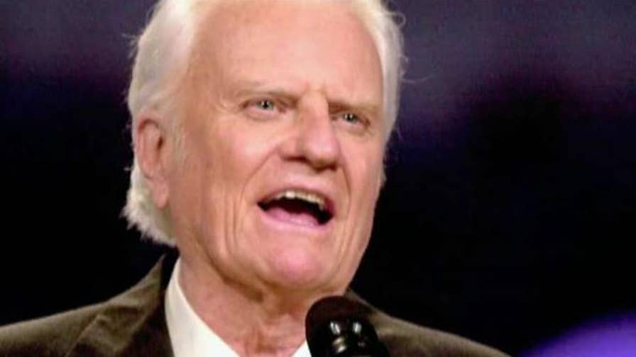 Reverend Billy Graham died at age 99; former governor Sarah Palin applies the reverend's message to the debate over gun violence and more on 'The Story with Martha MacCallum.'
