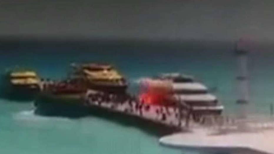 25 hurt in ferry explosion 'fireball' in Mexico