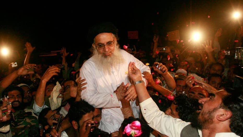 Infamous Pakistani cleric keeps Bin Laden library, vows global Sharia