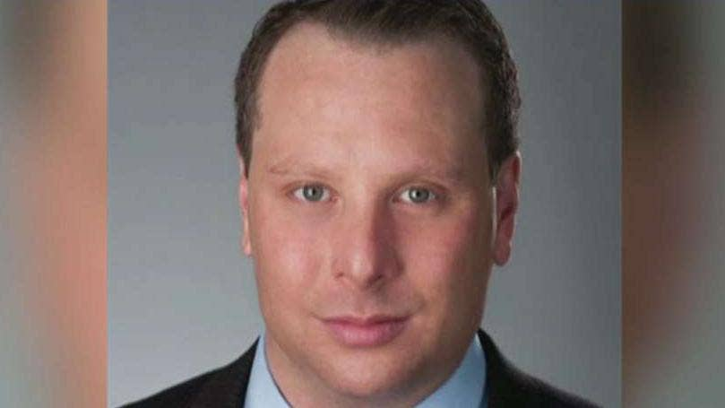 Former Trump aide Sam Nunberg arrives at DC courthouse to testify before grand jury