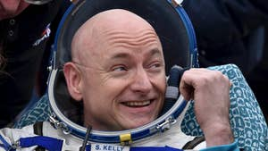 Astronaut Scott Kelly talks to Fox News about what life was like during his year in space and the one obstacle a trip to Mars faces.