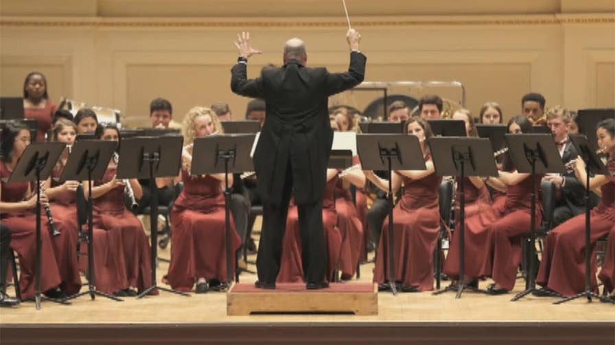 Students from Marjory Stoneman Douglas High School band travel to New York City to perform at Carnegie Hall three weeks after deadly shooting. Bryan Llenas reports.