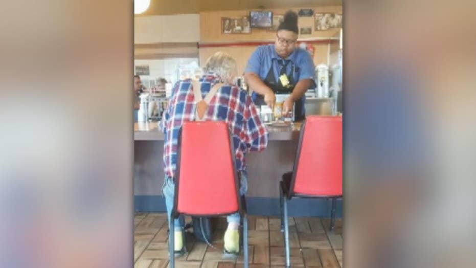 Heartwarming gesture by Waffle House employee wins praise