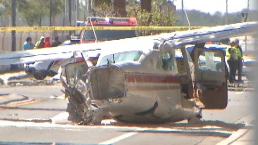 Plane crashes into street in Kissimmee, Florida causing traffic issue for area residents.