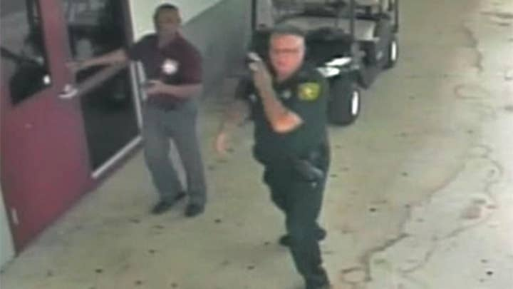 Video shows deputy's action during Parkland shooting
