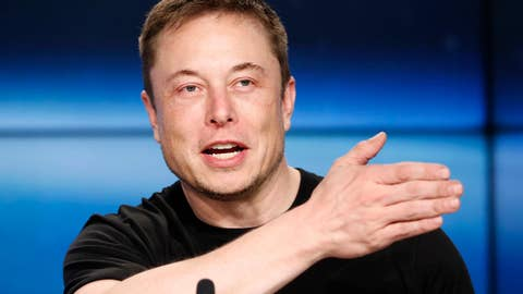 Elon Musk calls for Mars colony in case of World War III