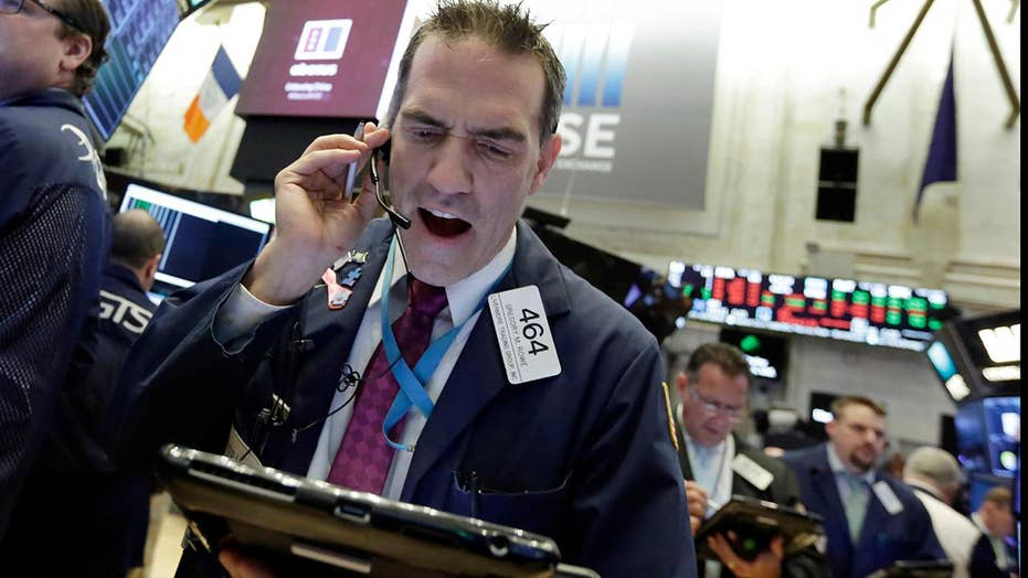 Stock sell-off drives Dow into the red for 2018