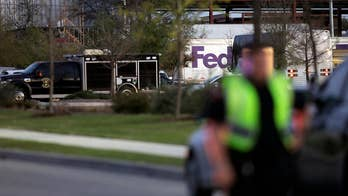 Investigators looking into FedEx blast and possible link to Austin explosions. Jonathan Hunt reports from Austin.