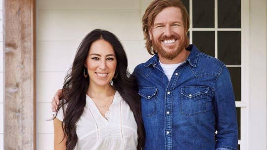 Chip Gaines runs half marathon, crosses finish line with daughter Ella and son Crew in adorable photo