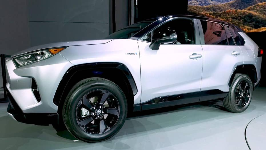 New York Auto Show 2019 Toyota Rav4 Is A Tough Looking Trucklet