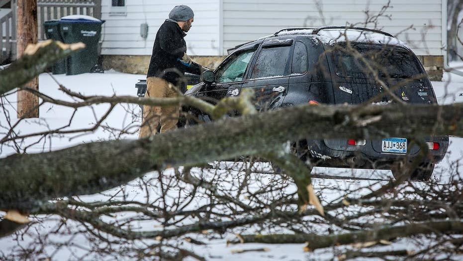 Spring snowstorm claims three lives in Minnesota